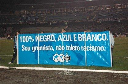 """Mais uma campanha institucional """"chata"""" do Grêmio, em 2007. Foto do Grêmio."""