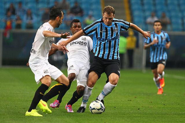 Mesmo com duas boas conclusões, o Coelho perdeu o gol mais feito. Foto Lucas Uebel, Grêmio Oficial