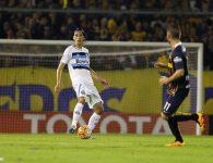 Ter que jogar sozinho na defesa é foda. Foto do Lucas Uebel/Grêmio Oficial (via Flickr)