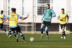 Bressan e Fred no treino. Foto do Lucas Uebel/Grêmio Oficial (via Flickr)