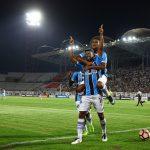 Respeitem esse Grêmio: 2×0 no Zamora lá.